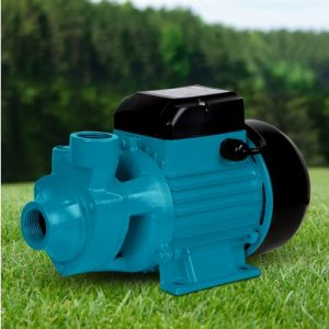 This pump is ideal for pool pumping, increasing the water pressure in a pipe, garden sprinkling, irrigation or cleaning. It has a reliable rust-resistant brass impeller and a 55L/min maximum flow rate. Delivery head of 60 metres and suction up to 8 metres.